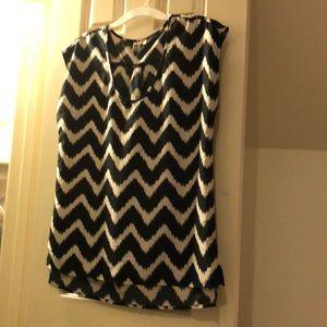 Short sleeve chevron tunic